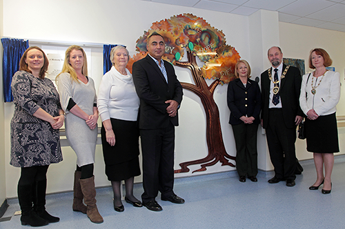 Memory Tree Unveiled to Commemorate Organ Donors